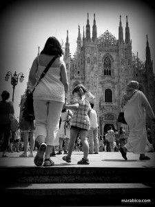 Duomo_milan_bebés_niños.jpg