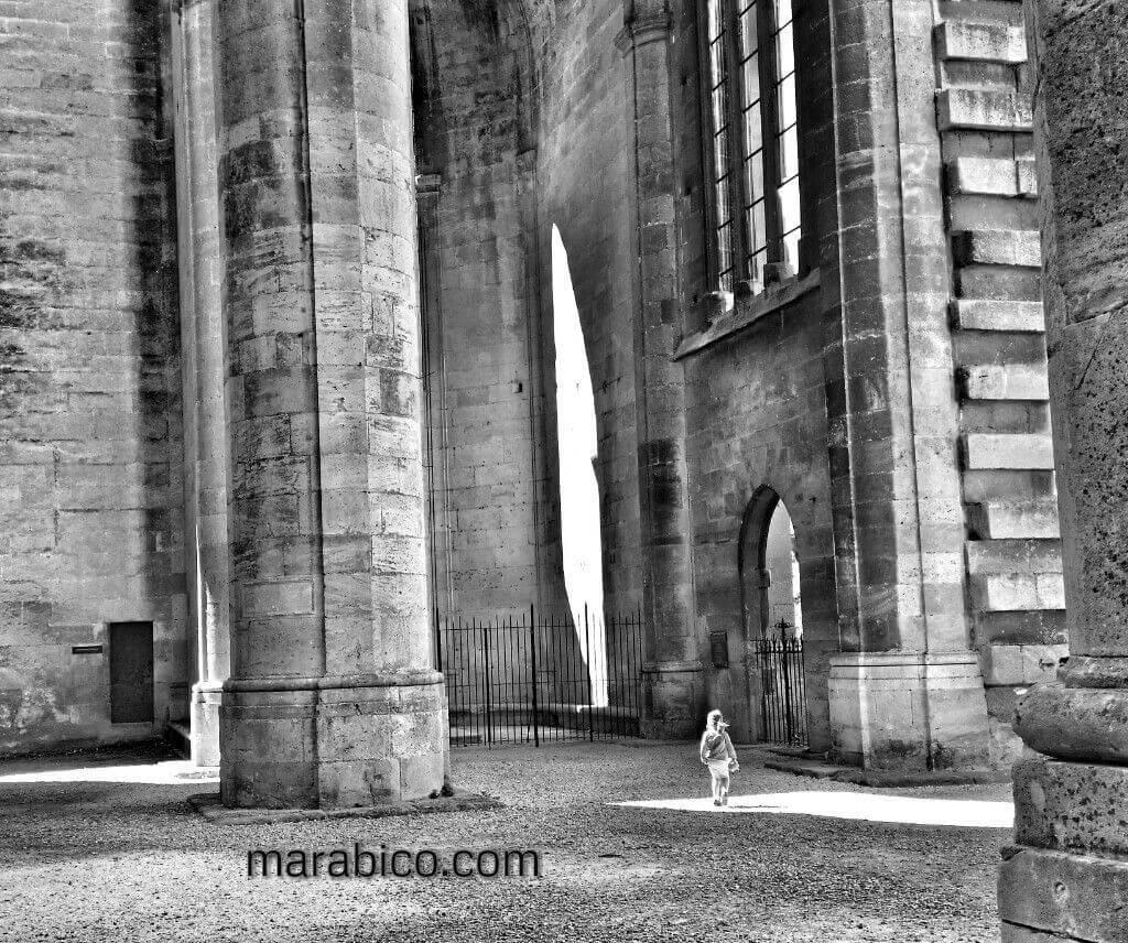 Narbona_Francia_viajar_niños.jpg